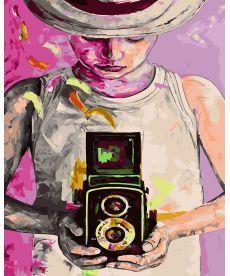 Картина по номерам Девушка фотограф 40 х 50 см (BK-GX21829)